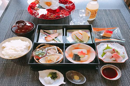 こまつの日替わり御膳 2,700円(税サ込)